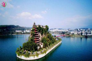 Ngôi đền 12 tầng đứng vững suốt hàng trăm năm giữa dòng sông Dương Tử