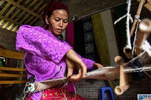 Lên Sà Phìn A xem người Mông đổi đời từ tấm lanh trắng