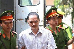 Nhờ qua mặt cán bộ công an, Vũ Trọng Lương chở cả xe tải tài liệu thi về sở GD&ĐT sửa điểm