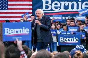Bản kế hoạch 'đụng chạm' Phố Wall của ứng viên Tổng thống Mỹ Bernie Sanders