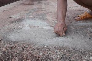 Vụ đường bê tông vừa làm đã nứt chằng chịt: Kỷ luật Chủ tịch xã