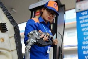 Giá xăng giảm hơn 300 đồng/lít từ 15h hôm nay