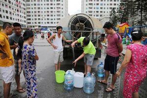 Mòn mỏi chờ Công ty nước sạch sông Đà cấp nước trở lại