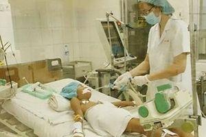 Bé trai 7 tuổi mắc bệnh bạch hầu