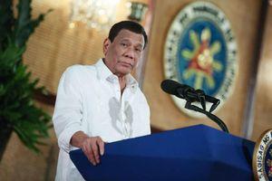 Tổng thống Philippines Duterte gặp tai nạn bất ngờ ngay trong Dinh thự