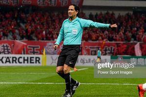 Thầy trò Park Hang-seo hưởng lợi từ chiếc thẻ phạt của trọng tài H.Chrishantha Perera