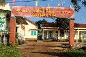 Đắk Nông: Cách chức nữ Chủ tịch UBND xã sử dụng bằng giả