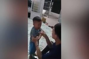Nam thanh niên bị đánh bầm dập vì bạo hành con ruột 3 tuổi