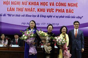 Phó Thủ tướng Vũ Đức Đam mong muốn các nữ trí thức đoàn kết, phát huy nguồn lực và trí tuệ của người Việt