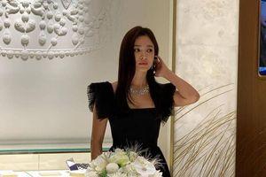 Song Hye Kyo gây tranh cãi khi dự sự kiện giữa đám tang của Sulli