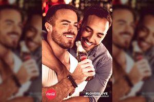 Coca Cola bị phạt do đưa các đôi đồng tính vào quảng cáo