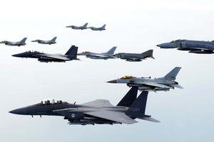 Máy bay Mỹ trình diễn tại lễ kỷ niệm thành lập Không quân Hàn Quốc
