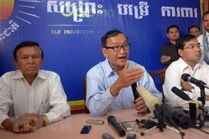 Campuchia: Ông Sam Rainsy tiếp tục lĩnh án 20 tháng tù vì tội lăng mạ