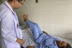 Phẫu thuật thay thân đốt sống thành công cho bệnh nhân bị ung thư di căn