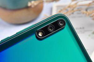 Smartphone camera kép, RAM 6 GB, pin 4.000 mAh, giá 'mềm'