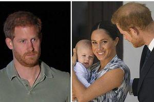 Cộng đồng mạng kêu gọi vợ chồng Meghan Markle từ bỏ địa vị hoàng gia sau bài phỏng vấn gây tranh cãi mới nhất của Hoàng tử Harry