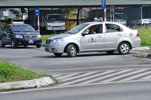 Có nên 'chia đôi' Luật Giao thông đường bộ?