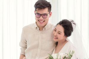 Thay vì tiếc nuối, cộng đồng mạng lại có phản ứng trái ngược khi nhà văn Gào thông báo ly dị chồng