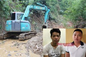 Hai nghi phạm khai lái xe tải chở 10m3 chất dầu thải đổ trộm gây ô nhiễm nguồn nước sông Đà