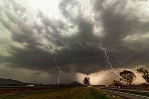 Ngày biến thành đêm do bão bụi ở Australia