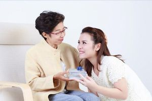 Những món quà tặng dịp 20/10 khiến mẹ chồng thích mê, chẳng nỡ chối từ