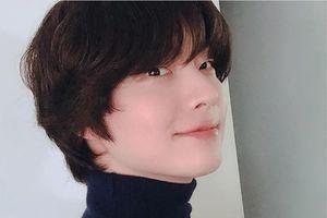 Giữa bê bối ly hôn, Goo Hye Sun khoe ảnh thơ ấu xinh như búp bê