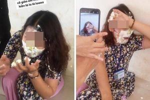 Học sinh đăng ảnh cô giáo bị trét bánh kem đầy mặt và bình luận: 'Hành cô dễ sợ luôn'