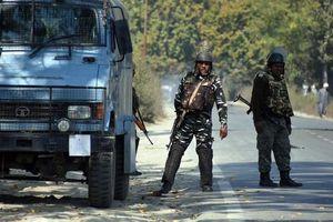 Pháo kích xuyên biên giới giữa Ấn Độ và Pakistan