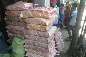 Ngư dân Myanmar tưởng ma túy đá trôi biển là phèn, đốt xong bị ngất