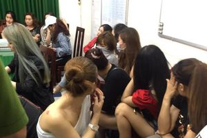 190 nam thanh nữ tú thác loạn sa đọa thế nào trong bar Phượng Lâm TPHCM?
