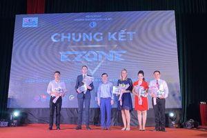 Giảng viên Đại học Luật Hà Nội tỏa sáng trong đêm chung kết cuộc thi nói tiếng Anh