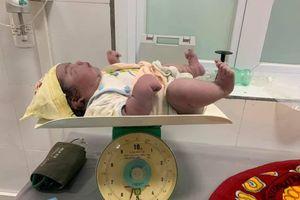 Hy hữu: Một sản phụ Nghệ An sinh thường bé gái nặng 5,5 kg