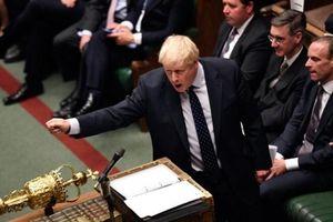 Thủ tướng Anh xin hoãn Brexit bằng thư không ký tên