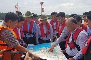 Bộ trưởng GTVT đến kiểm tra hiện trường và chỉ đạo công tác khắc phục sự cố chìm tàu ở Cần Giờ