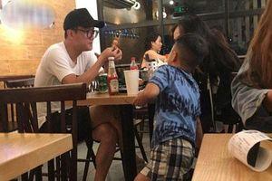 Minh Hà vừa tuyên bố độc thân, Chí Nhân bị bắt gặp 'hẹn hò' tình mới, cách xưng hô với con trai riêng mới gây bất ngờ?