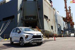 Hơn 800 xe Mitsubishi Xpander cập cảng, hết lo khan hàng tăng giá