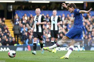 'Gà son' tỏa sáng, Chelsea vào top 3 Ngoại hạng Anh