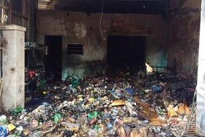 Cửa hàng tạp hóa cháy dữ dội, toàn bộ hàng hóa bị thiêu rụi