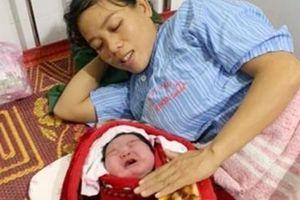 Bé gái nặng 5,5 kg chào đời đúng Ngày phụ nữ Việt Nam
