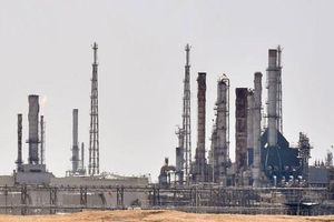 Giá dầu suy yếu trước lo ngại Nga chưa cắt giảm sản lượng theo đúng cam kết
