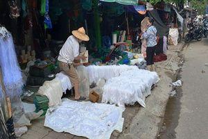 Tiểu thương chợ Vinh lại trắng tay vì mưa lụt