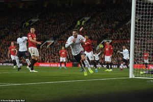 Manchester United chặn đứng chuỗi trận toàn thắng của Liverpool