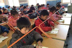 'Thanh chỉnh dáng ngồi' gây ý kiến trái chiều tại Trung Quốc