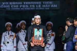 Bộ trưởng Phùng Xuân Nhạ gửi lời tiễn biệt trong lễ truy điệu Thứ trưởng Lê Hải An