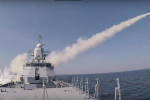 'Nín thở' xem Nga phóng tên lửa hạt nhân cực mạnh