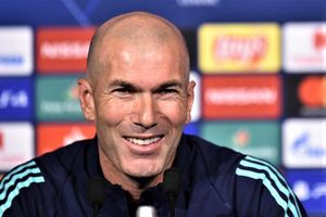 HLV Zidane: 'Tôi muốn ở lại Real Madrid mãi mãi'