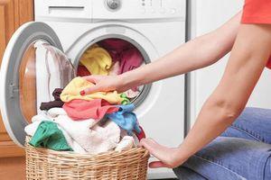Giặt chung quần áo có thể khiến trẻ bị lây bệnh viêm nhiễm vùng kín