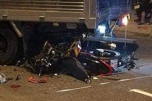 Chạy xe tốc độ cao tông vào đuôi xe tải, nam thanh niên tử vong