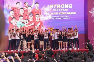 Hành trình truyền cảm hứng của Quang Hải, Bùi Tiến Dũng