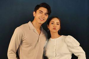Hình fitting cực ngọt của cặp đôi Bua Nalinthip và Pon Nawasch trong bộ phim mới 'Praomook'